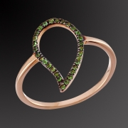 Ring K-18 pink gold with tsavorites