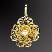 Gold pendant K-14 with handmade pearl